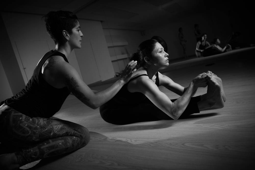 Photo-By-Jonathan-Manrique-Nossa-Evolation-yoga-Studio__MKO2595-webB&W